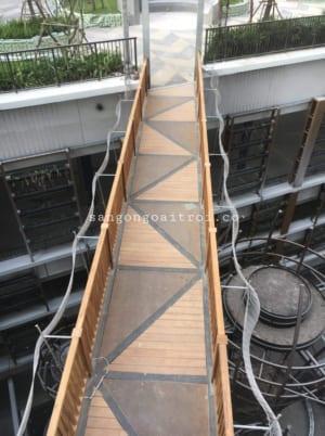 Cầu sử dụng gỗ Teak ngoài trời